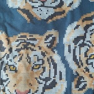 Pixelated tiger leggings